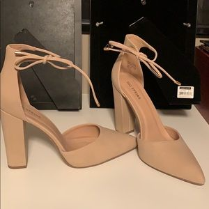 Spring size 10 nude pumps